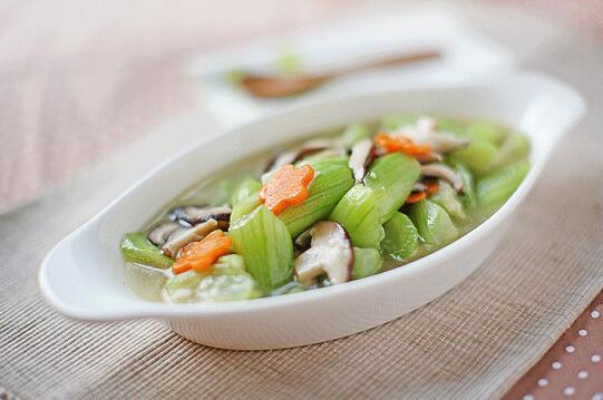 加拿大芥花油春季营养食谱:香菇烧丝瓜