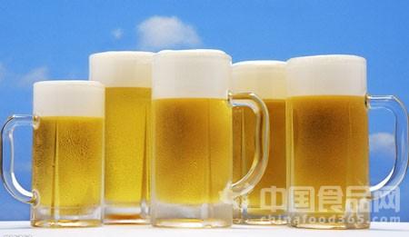 """美国将推出""""速溶啤酒"""" 啤酒粉加水就能畅饮"""