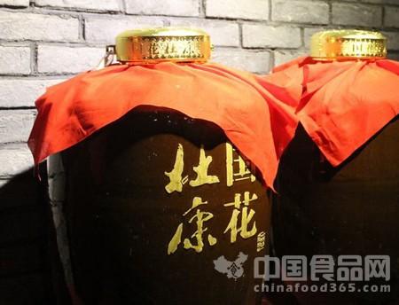 """酒企热推封坛酒 能否成为高端白酒""""疗伤""""良药"""